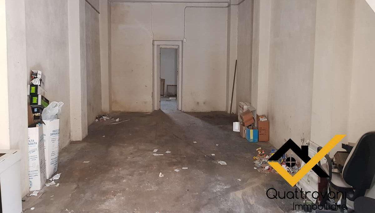 garage mq 83 - Caltagirone - vendita (2)