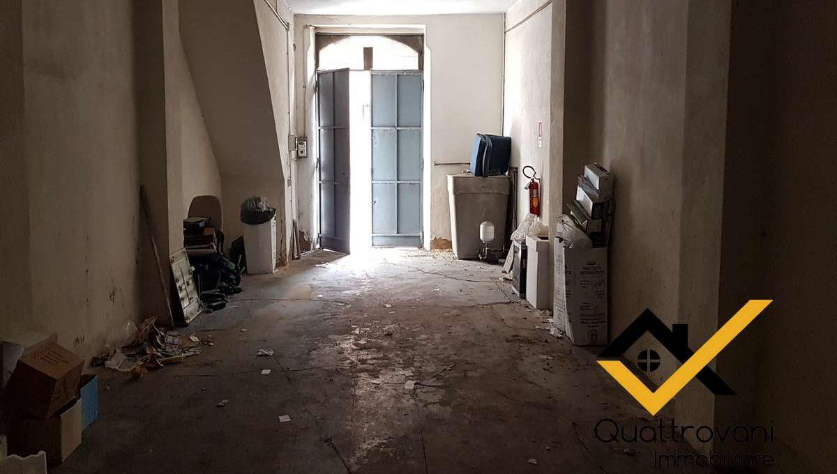 garage mq 83 - Caltagirone - vendita (4)
