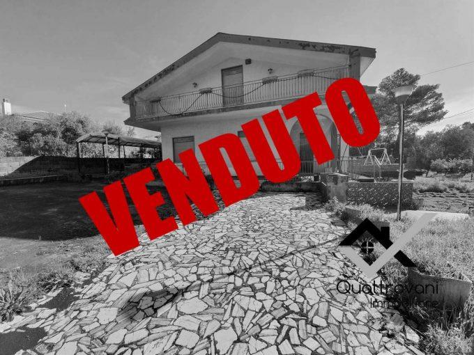 Villa Via dei Gigli 13, Mascalucia -VENDUTO