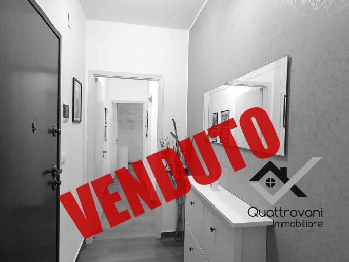 2 Vani Finemente Ristrutturato con Garage Mq 21, Gravina di Catania