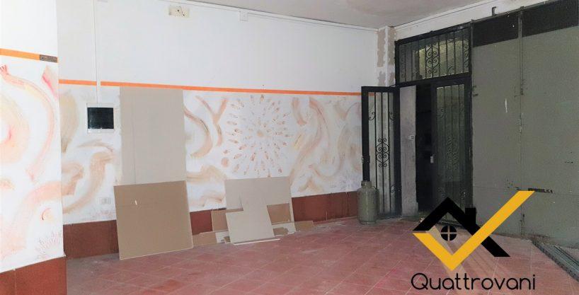 Locale Commerciale Mq 200, Mascalucia, Corso San Vito - AFFITTO